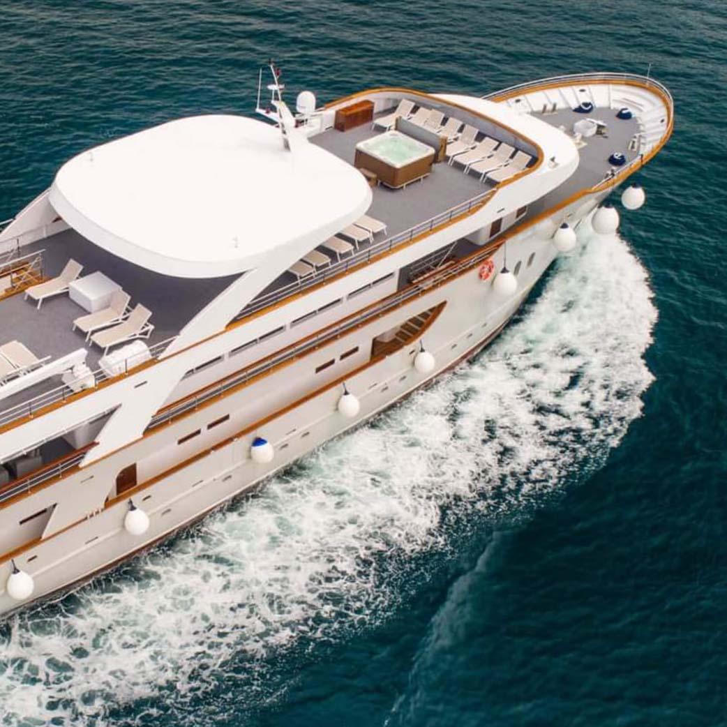 wp-cruise-square-yacht